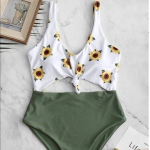 Zaful Knot Sunflower Cut Out Swimsuit -   green